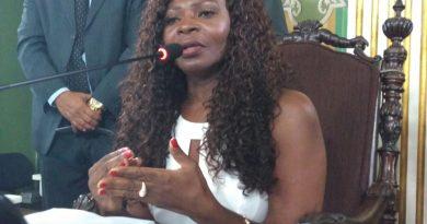 Vereadora Ireuda Silva toma posse na presidência da Comissão da Mulher